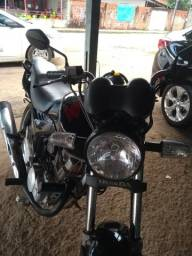 Vendo moto nova