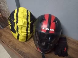 Capacetes e luva motoqueiro