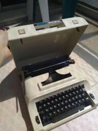 Título do anúncio: Máquina de escrever Remington 22