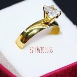 Anel solitário tungstênio folheado a ouro 18k