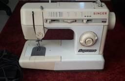 Máquina de costura mecânica Singer Supreme 482C 110V