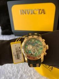 ef691f2fb28 Pro driver dourado com pulseira de silicone preta !