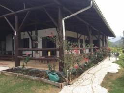 Lindo Sítio com 92.000 m2, pronto para Morar, Porteira fechada, ótima localização