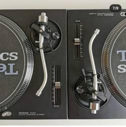 Toca Disco Technics SL 1210 MK2.