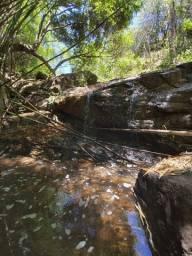 Chácara com galpão e riacho, são 1,5 hectares por valor imperdível