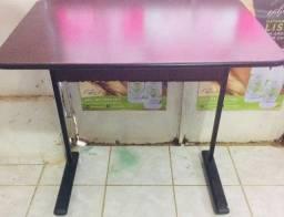 Iscrivania mesa