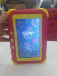 Tablet bem conservado com garantia de 3meses E produto de mostruário