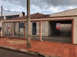 Casa com 3 dormitórios para alugar, 1 m² por R$ 1.500/mês - Martins - Rio Verde/GO