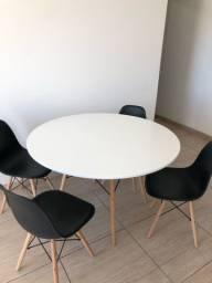 Conjunto mesa de jantar 1.20 cm + 4 cadeiras