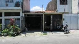 Imóvel na Parquelândia - Azevedo Bolão Próximo ao North Shopping