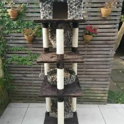 Arranhadores de 4 andares para gatos
