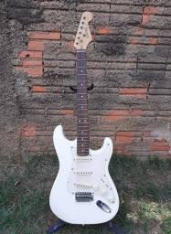 Guitarra stratocaster Arena