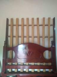 Cama de casal madeira antiga