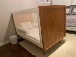 Berço de tela e laca que se transforma em mini cama - Berta Gonçalez