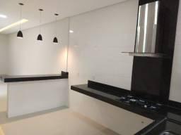 Casa com 3 Quartos, suíte, churrasqueira, 120 m² construídos, Moinho dos Ventos