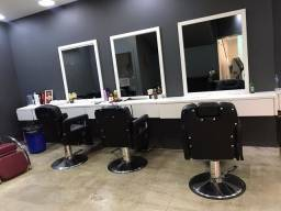Bancada com espelhos para barbearia ou salão