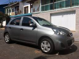 Nissan March S 1.0 12v - GNV