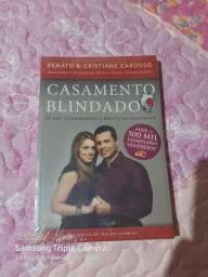 Vendo esse livro valor 40 reais é novo quando ganhei ja tinha um