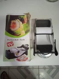Máquina de enrolar sushi ?