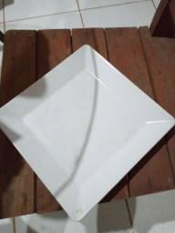 48 pratos de  porcelanas  lindos pra  restaurante  ou  eventos