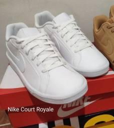"""Tênis Nike Court Royale """"40"""" (Está como novo)"""