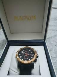 Vendo lindo relógio Magnum!!!