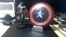 Capitão América boneco *novo*