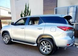 Hilux Sw4 SRX Diesel 2019 7 lugares Apenas 18mil Km particular AcTroca