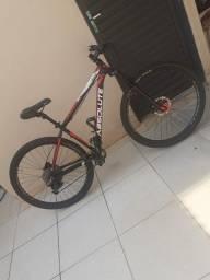 Título do anúncio: Vende-se bicicleta Absolute Aro 29