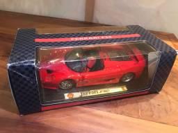 Miniatura Ferrari F50 na caixa