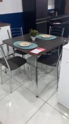 Mesa Catia 90×90 c/ 4 Cadeiras ? Fil Tubulares ? Marrom<br><br>