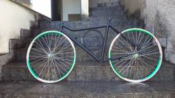 Título do anúncio: Quadro e rodas para montar sua bike personalizada Obs.: baixando o preço pra vender rápido