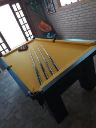 Mesa com 4 Pés Laterais Cor Preta Tecido Amarelo Mod. RBNZ1627