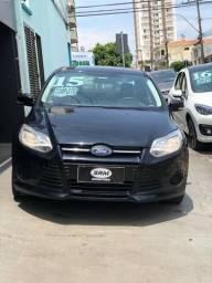 Vendo Focus Sedan S 2.0 automático abaixo da fipe. Financia 100%/ aceito imóvel e caminhão - 2015