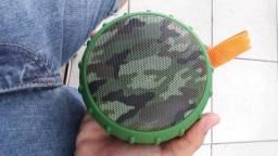Caixinha de som resistente a água