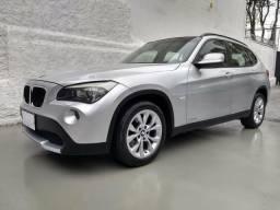 BMW X1 s drive 18 4x2 2011* automatica* revisada* pneus run flat novos* impecavel - 2011
