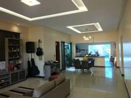 Casa na Marambaia 4/4 com piscina, R$ 4.500 mil / *