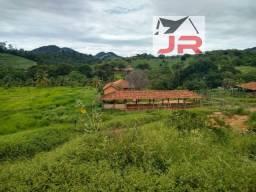 Vendo Fazenda em Baixo Guandu próximo da cidade e divisa com o rio