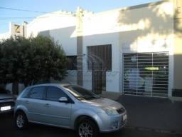 Casa para alugar com 2 dormitórios em Centro, Jaboticabal cod:L5102
