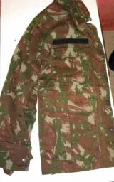 Conjunto calça e gândola militar