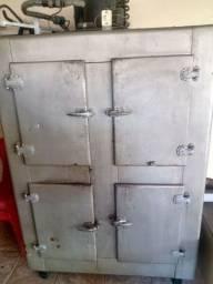 Geladeira antiga 4 portas gela muito