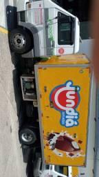 Caminhão 8-150 c baú de sorvetes