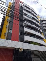 Apartamento três quartos Jatiuca