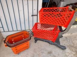 1 carrinho de compras 2 cestinha com rodas semi novo  aceito cartão