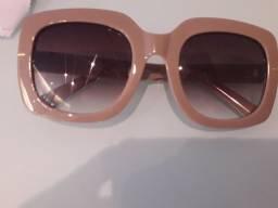 Óculos usado somente 1 vez super conservado