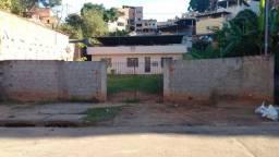 Casa em Ipatinga. Cód. K065, 3 quartos, 100 m², LOTE 15X30 (450 M²) . Valor 350 mil