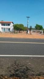 Vendo sitio de 8 hectares na beira do asfalto