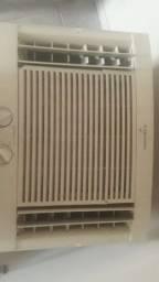 Título do anúncio: Ar condicionado 110/220 com conversor de energia