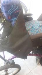 Vende-se cadeira para crianças especiais