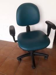 Título do anúncio: Cadeira tipo secretária